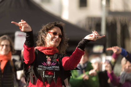 "Marita Hoscheidt tanzt bei ""One Billion Rising"""
